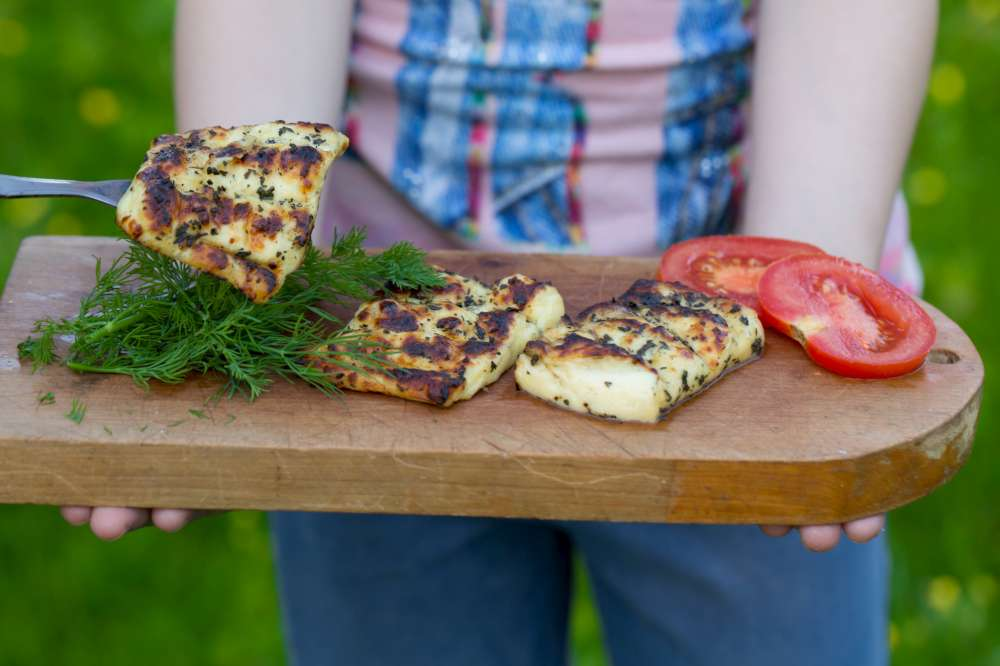 Polyvalent, le fromage halloumi à griller s'ajoute à de nombreuses recettes.
