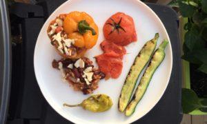 À vos barbecues ! Recette de poivrons grillés farcis d'un chili végétarien