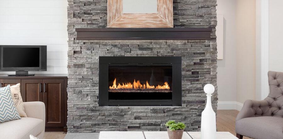 L'ambiance et l'efficacité du bois avec des portes en verre