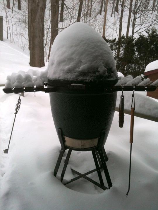 Laissez votre barbecue à l'extérieur en hiver pour prévenir la rouille.