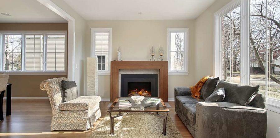 Puis-je utiliser un foyer électrique comme encastrable dans mon ancien foyer à bois?
